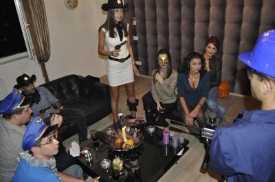 Happy Halloween la Happy Studio :)